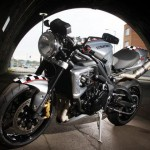 2012 'Ace Cafe' 675CR Street Triple Limited Edition_2