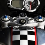2012 'Ace Cafe' 675CR Street Triple Limited Edition_4