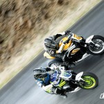 Triumph Speed Triple vs Ford Mustang Cobra (Video)_1
