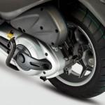 2012 Piaggio X10 Maxi-Scooter_2