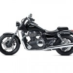 2012 Triumph Thunderbird Storm Review_1