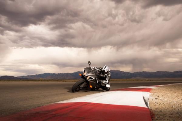 2013 Yamaha YZF-R1_1