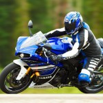 2013 Yamaha YZF-R1_11