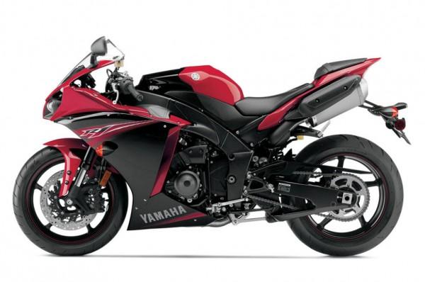 2013 Yamaha YZF-R1_30