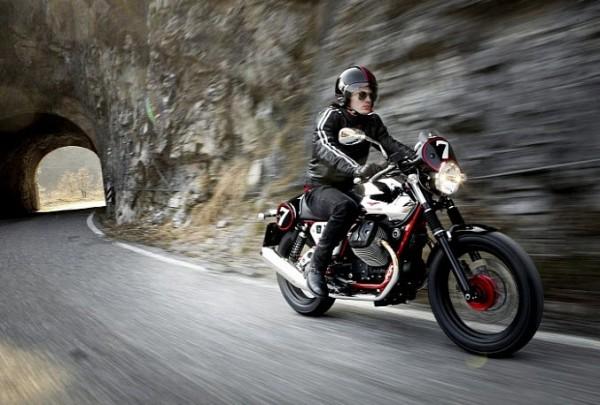 2013 Italian V-twin Moto Guzzi V7 Racer_13
