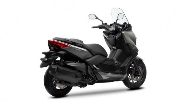 2013 Yamaha X-Max 400 Maxi-scooter Matt Gray_2
