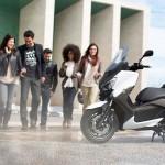 2013 Yamaha X-Max 400 Maxi-scooter_16