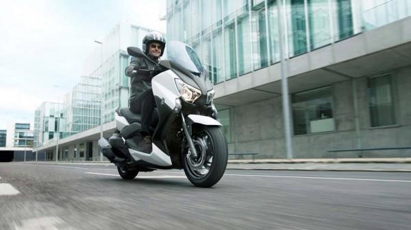 2013 Yamaha X-Max 400 Maxi-scooter_8