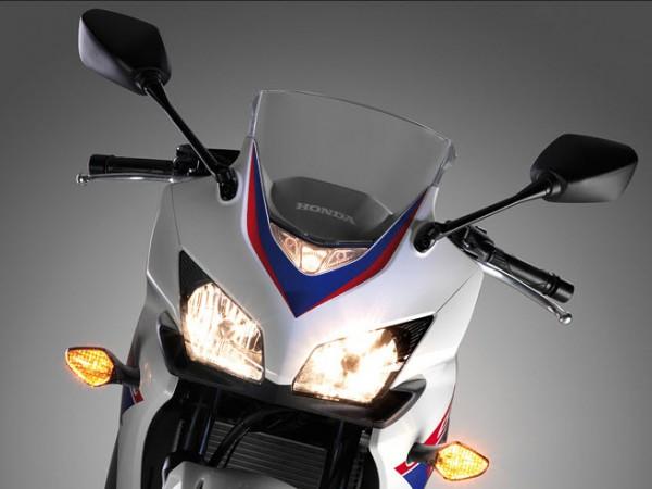 2013 Honda CBR500R Pearl Himalayas White Headlight