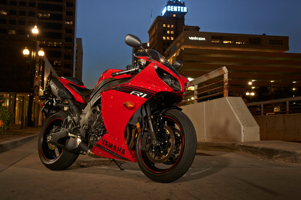 2014 Yamaha R1 Red