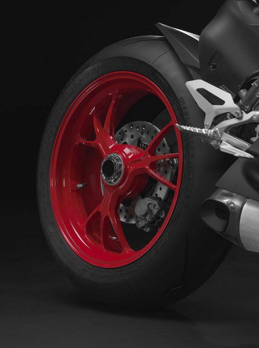 2014 Ducati 1199 Panigale S Senna Limited Edition_5