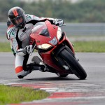 2014 Aprilia RSV4 R ABS and RSV4 Factory ABS_3