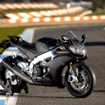 2014 Aprilia RSV4 R ABS and RSV4 Factory ABS Unveiled at the EICMA