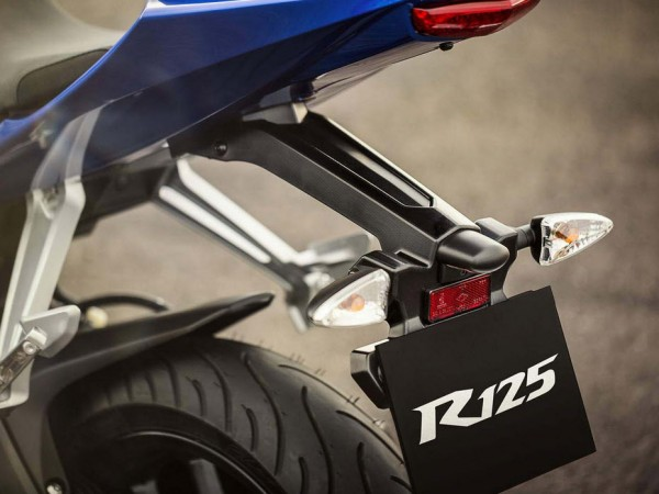 2014 Yamaha YZF-R125 Europe-Specs Taillight
