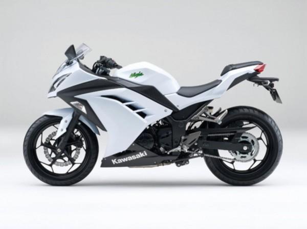 2015 Kawasaki Ninja 250 Pearl Stardust White_1