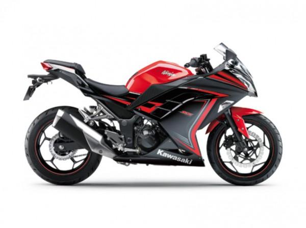 2015 Kawasaki Ninja 250 Special Edition Passion Red Ebony_2