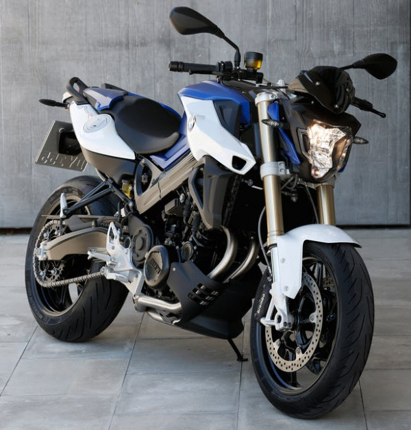 2015 BMW F800R In Action_17