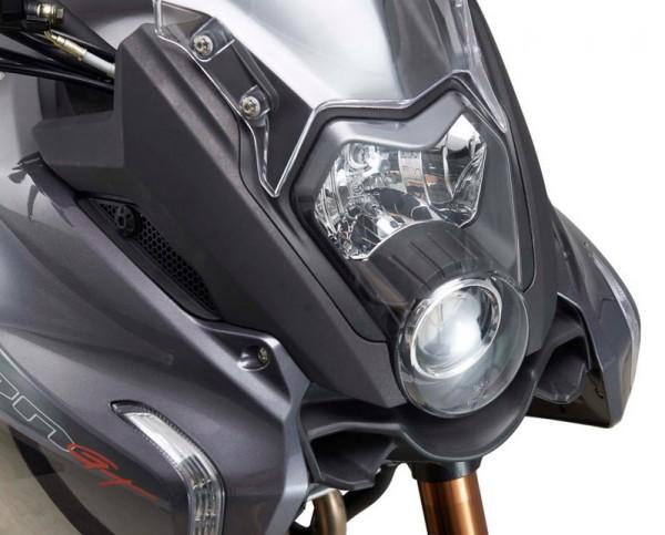 2015 Benelli BN 600GT Headlamp Detail