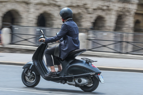 Vespa 946 Emporio Armani Luxurious Scooter on The Road_3