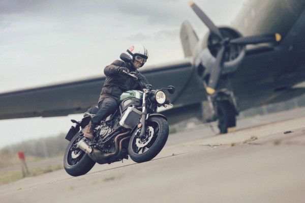 2016 Yamaha XSR700 Retro-styled Streetbike In Action_5