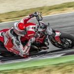 2016 Ducati Monster 1200R in Action_5