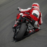 2016 Ducati Monster 1200R in Action_9