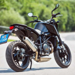 2016 KTM 690 Duke_2