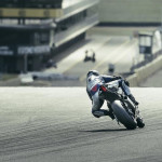 2016 Yamaha YZF-R1M in Action_4