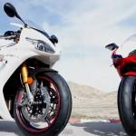 Video: Triumph Daytona 675R vs Ducati 848 EVO Corse SE