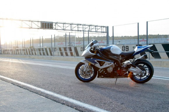2013 BMW HP4 Officially Revealed_8