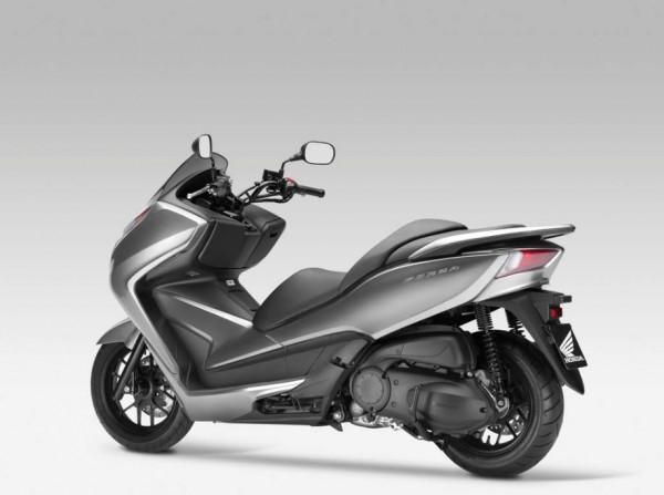 2013 Honda NSS300 Forza Scooter_12