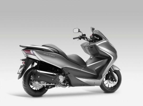 2013 Honda NSS300 Forza Scooter_13
