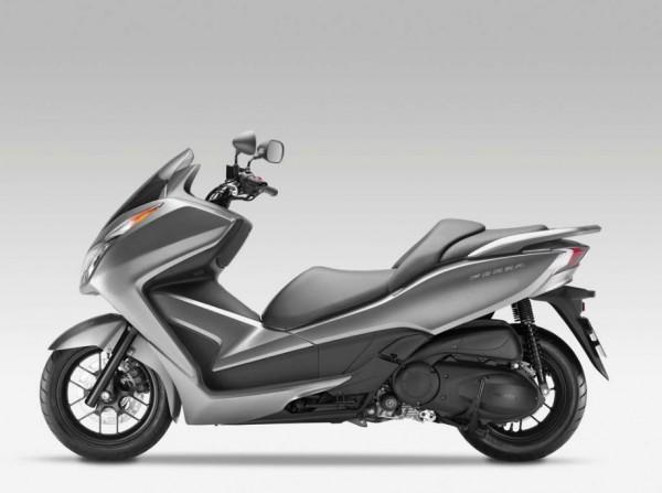 2013 Honda NSS300 Forza Scooter_4