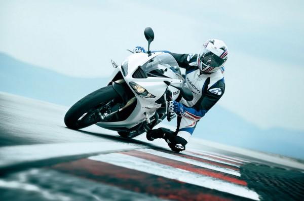 2012 Triumph Daytona 675R White_1
