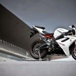 2012 Triumph Daytona 675R White_2